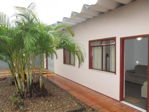 698 - Casa para troca c/imóvel no litoral, Indaial